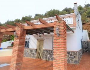 Vrijstaande villa in Frigiliana Road