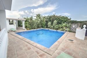 Villa in Benamocarra