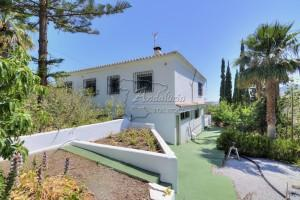 Villa in Cajiz