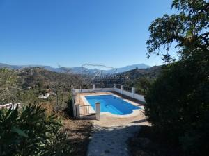 Country Home in Comares