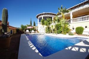 Villa in Mondrón