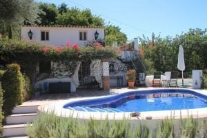 Villa in Comares
