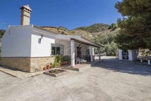 Country Home in Canillas de Aceituno