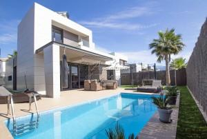 Contemporary modern style villa with pool