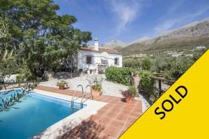 Authentic cortijo with private pool in Periana