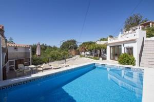 Country house with pool at walking distance to the village