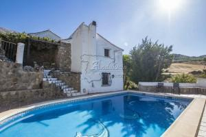 Authentic renovated mill with swimming pool, Periana