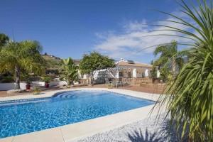 Immaculate villa with pool and amazing views, Alcaucin