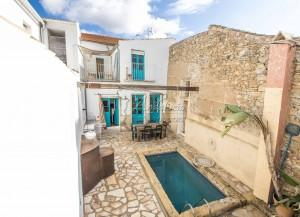 Spacious townhouse full of character, Colmenar