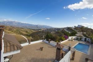 Spacious rural property with amazing views, Iznate