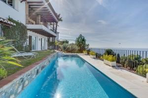 Detached villa with breath-taking sea view, La Herradura.