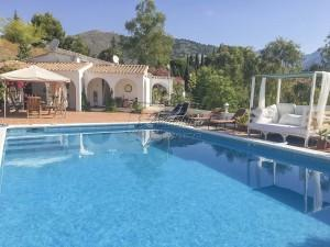 Propiedad con jardin, piscina y casita, Torrox